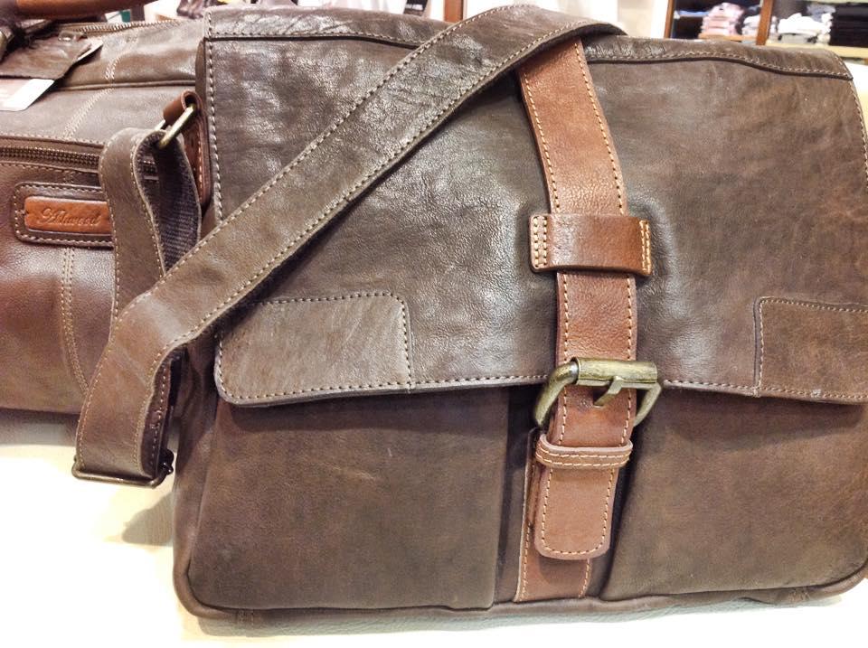 Buy travel bags online Dublin